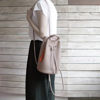 Small bucket bag-warm grey
