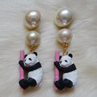 Panda earrings / pink