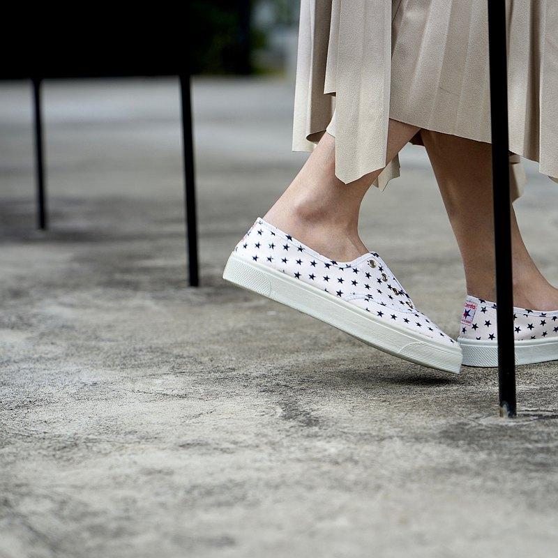 西班牙國民帆布鞋 CIENTA 10010 05 白色星星 經典布料 大人