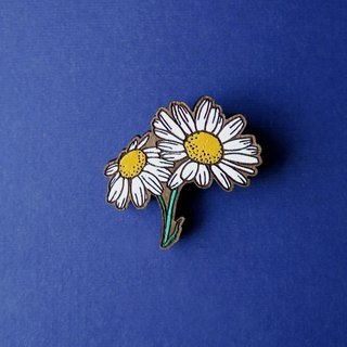 Wooden Brooch Daisy
