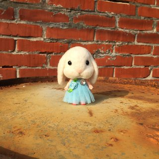 Cute baby white rabbit small cloth sheep Ledo wool felt paradise limited edition