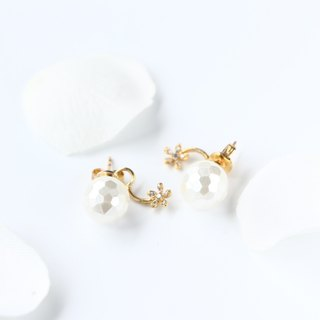 Shell pearl & cubic zirconia back catch pierced earrings-14kgf