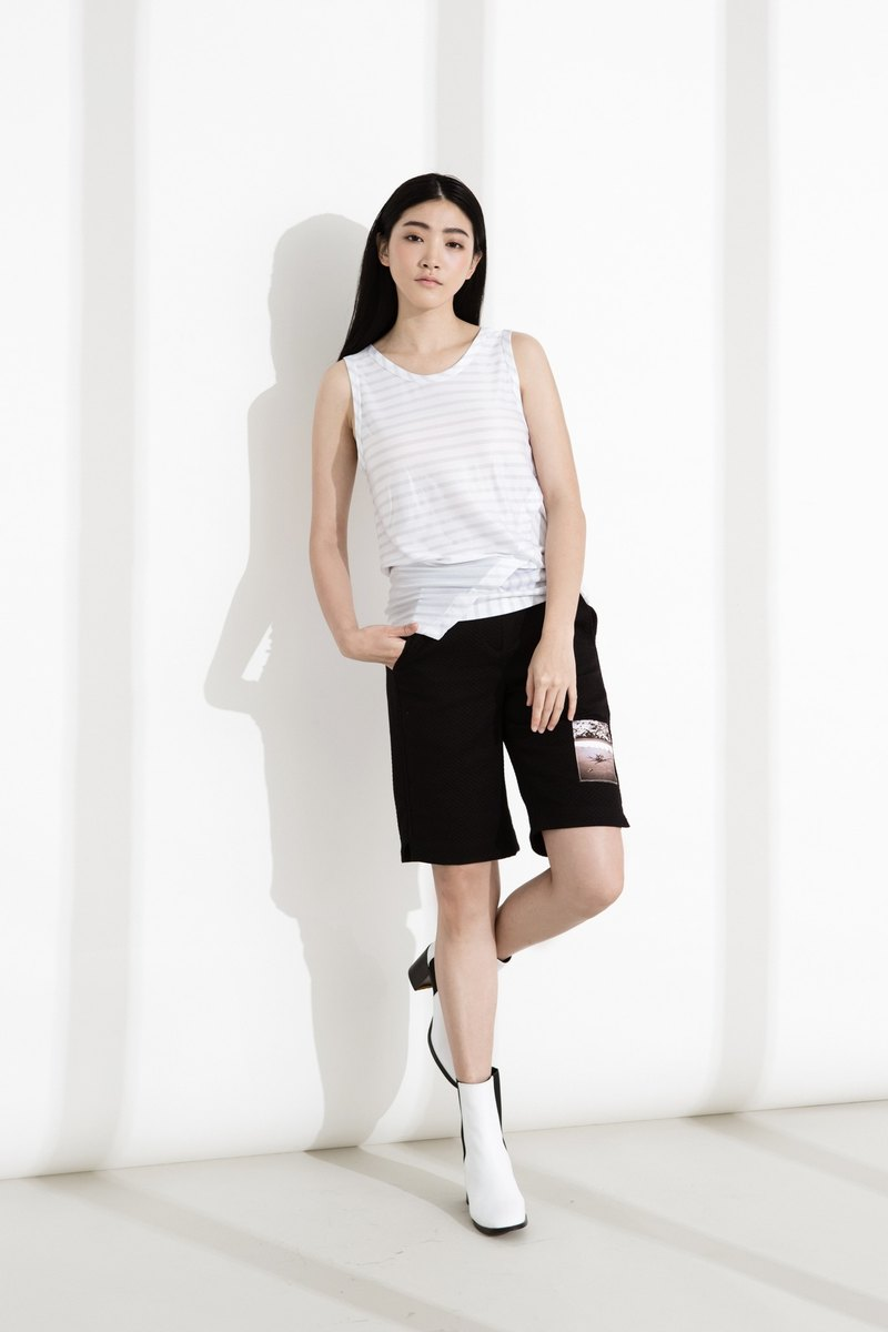 Asymmetric vest with gray stripes on white
