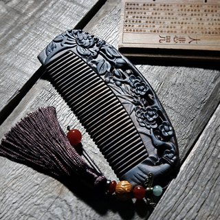 Natural hand-carved plum Orchid bamboo and chrysanthemum wood comb