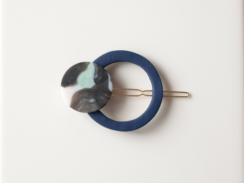 1 point only / circle hairpin