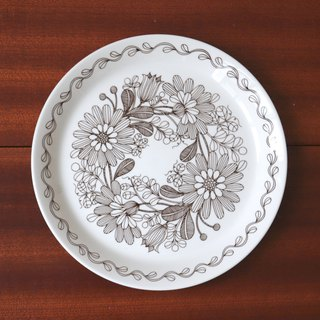 Finnish FINNISH FLINT Elina brown flower plate
