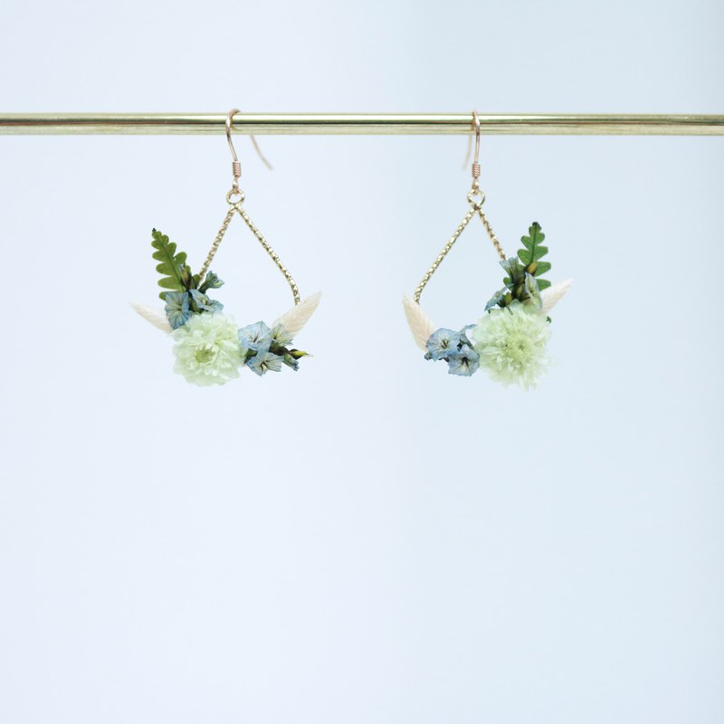 Helichrysum 贰 light green wax chrysanthemum ring dry flower earrings