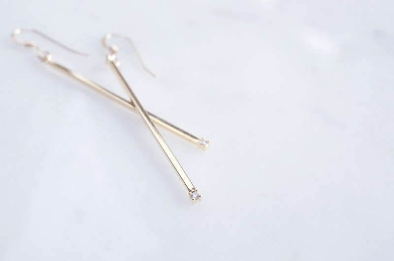 [14KGF] Earrings, Glossy Skinny CZ Stick Bar