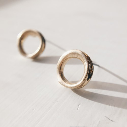 Distressed thick small circle - old gold ear earrings (pair) = can be changed ear clip =