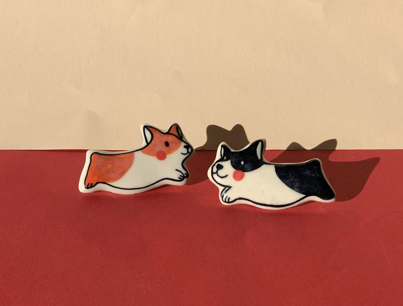 Corgi B l Brooch l Pin l Ceramics