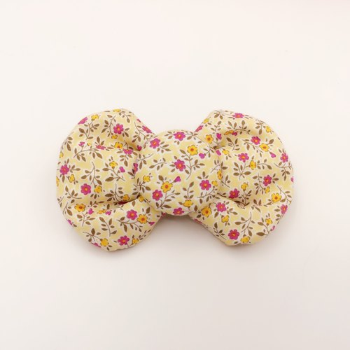 Romantic floral cotton tweeted. Bow hair bundles