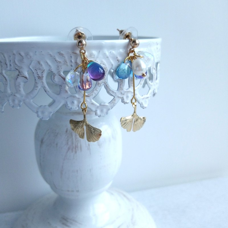 Aiyana Natural Pearl Brass Ginkgo | Sky Series Earrings - Ear/Ear clip