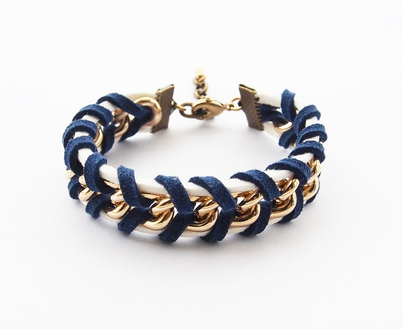 Navy/White twisted bracelet