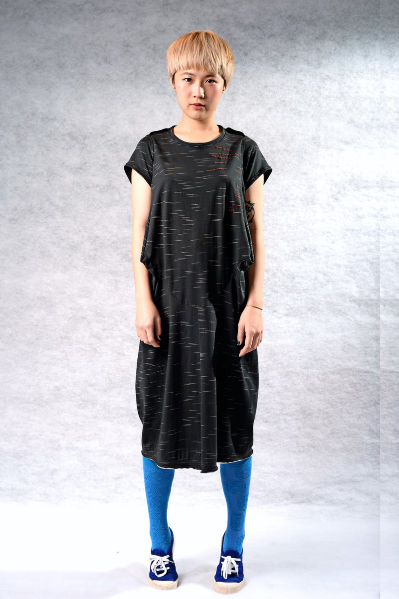 Stereo Subtraction*Temperature-sensitive Hand Sew*Thin Dress (Black/Green 2 Colors)