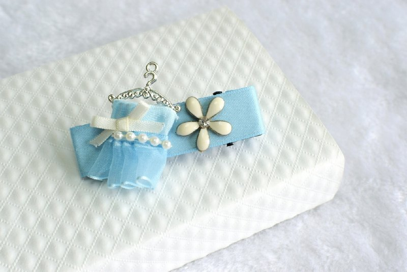 Small dress hairpin