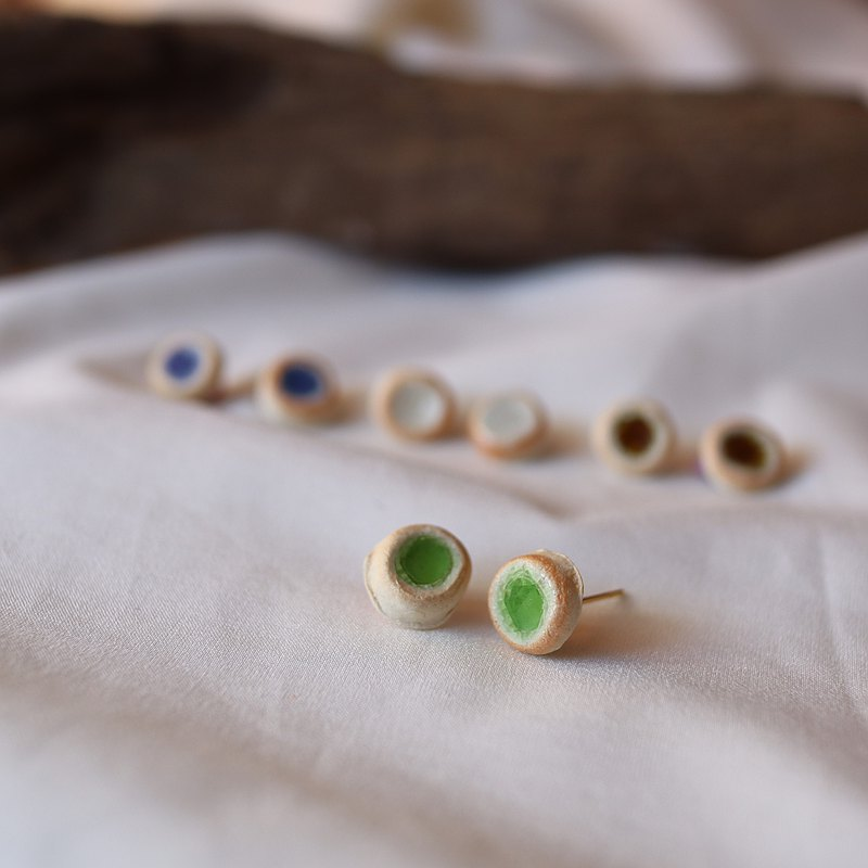 [Shigaraki ware] Shining jewelry-studs-pottery traditional crafts earrings earrings accessories