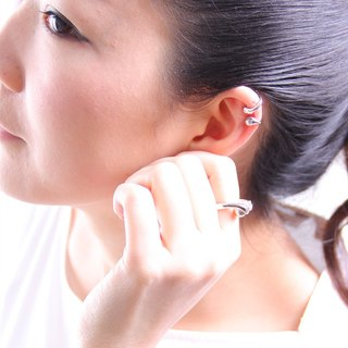 YUNSUO-original design-hand shape pearl ear cuff