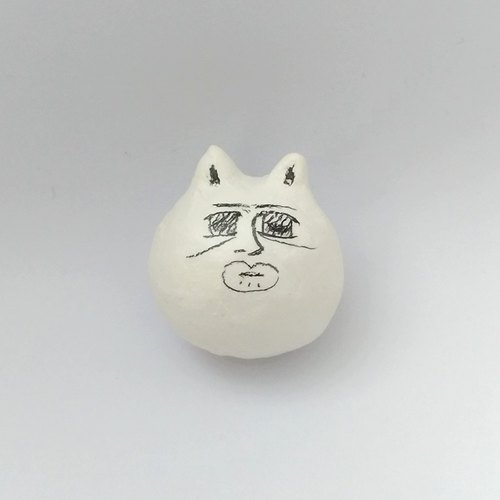Cat one of the two three: clay pin brooch jewelry decoration