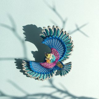 ARRO / Embroidery brooch / Flying bird / blue