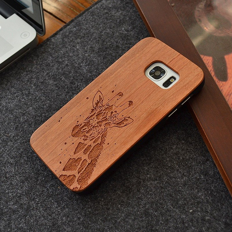 Customized Giraffe Personalized laser engraving Samsung S5 / S6 / S7 / S6 edge / S7 edge pure natural wood + green frosted plastic phone shell