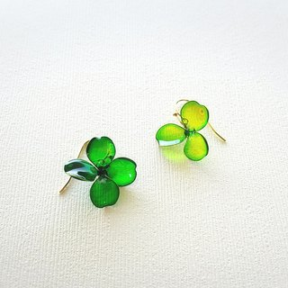 happy clover pierced earrings or clip-on earrings