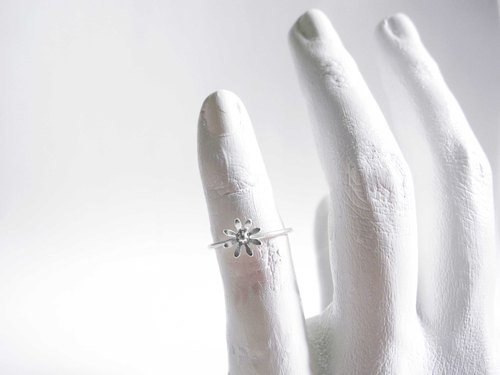 Small fresh daisy single flower ring