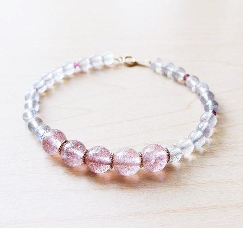 | Touch of moonlight | ice kind of labradorite seed strawberry ice crystal bracelet 14k DOT Hydra