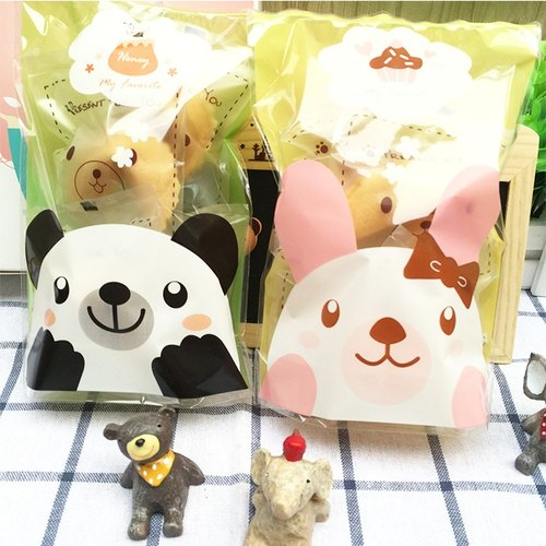 Limited season lucky gift cake birthday gift panda panda packaging milk flavor hand is now baked lucky biscuits FORTUNE COOKIE