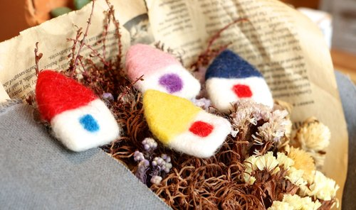 Nepal wool felt brooch ~ Spa smaller big house