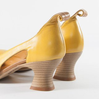 ITA BOTTEGA [Made in Italy] pretty low heel mustard yellow petal shoes