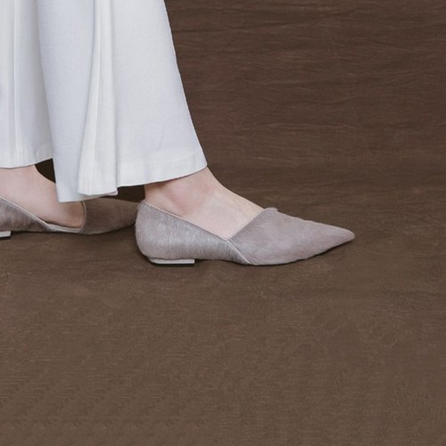 Slant structure pointed leather flat shoes gray horse hair