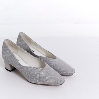 Square head round with V mouth leather thick heel shoes gray