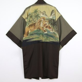 Back to Green Japanese back masculine hand-painted lion vintage kimono