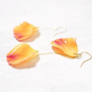 Dance of Rose (Mary Claire) Asymmetric Earrings / Earrings