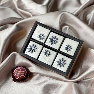 Pearl flower ‧ six square chocolate soap gift box