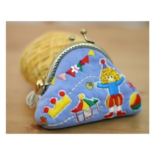 Magichands Embroidery Circus Cute Minimal Mouth Gold Gift (Blue)