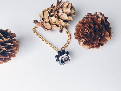 Pinecone Fall/Winter Christmas Bracelet