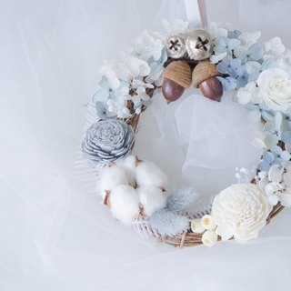[Spot] pink blue withered flower wreath