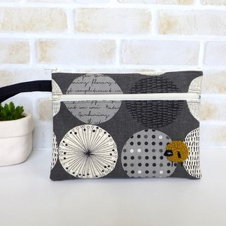 Embroidery Sheep Clutch Bag/Cosmetic Bag - (pop style)