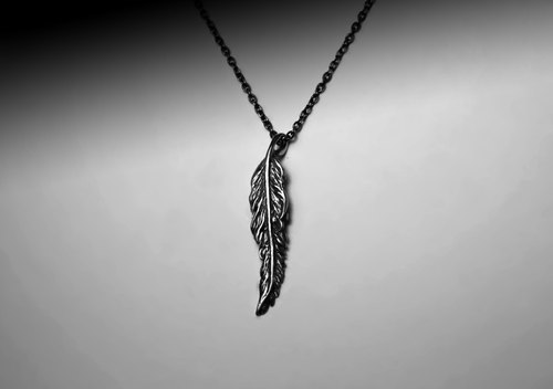 """Straight feather silver necklace"""