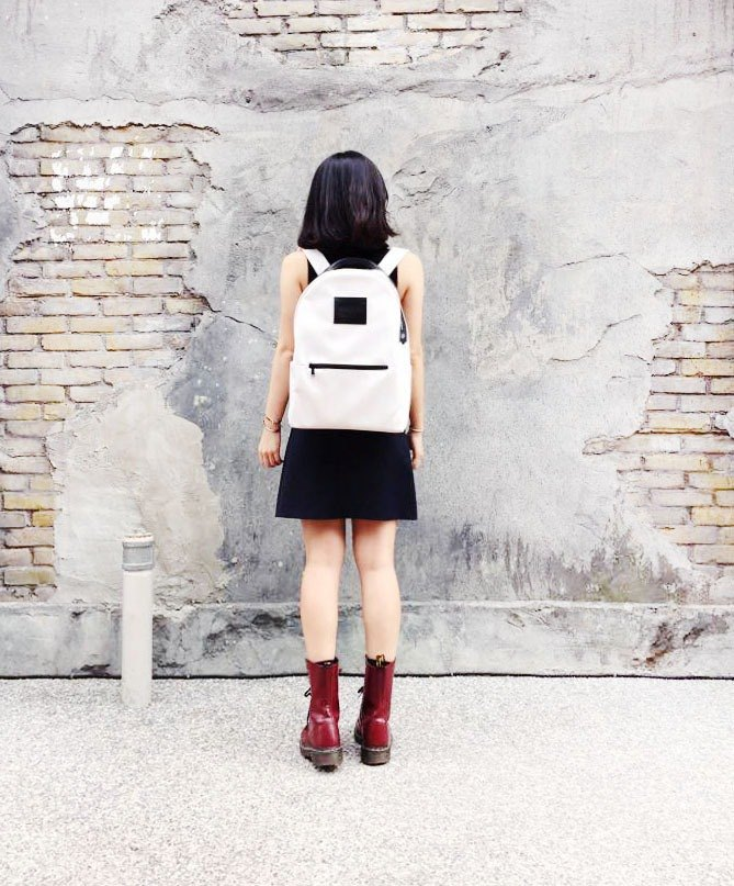 AM0000 ||| lower limit doctrine Minimalism backpack Moon Walk after white latex dual backpack (spot)