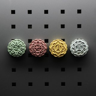 Chinese macaron - cement moon cake magnet set