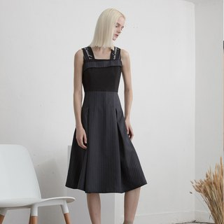 SS18 dark blue embroidery dress - Hong Kong original brand Lapeewee