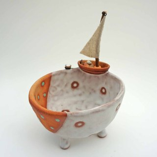Plant pot with a boat,two tone,cactus,ceramics,pottery,handmade
