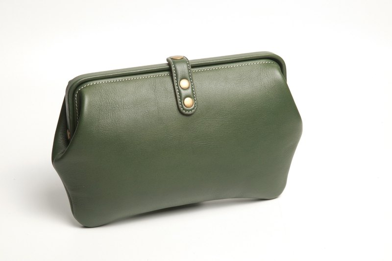 Doctors forest green leather mouth gold clutch