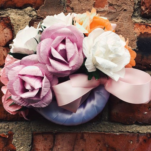 Handmade paper rose wreath / SWEET & CHIC wreath / valentine / wedding / confession / birthday / home accessories / only one