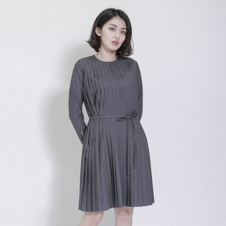 Weathering Mountain Pleated Dress_7AF110_ Gray