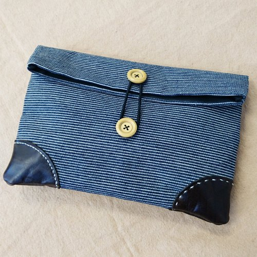 Store promotions stripes cowboy hand-made leather envelope clutch modeling angle