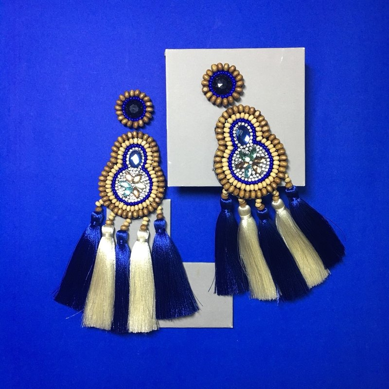 earrings : boho chic x 5th blue l white