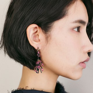 Pink noise asymmetric explosion earrings